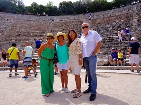 CAT Athenas y Mykonos Travel and Business