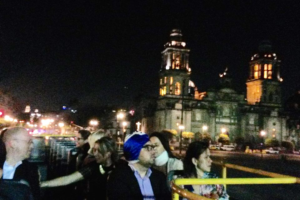 RH Zona a la Arena México Travel and Business