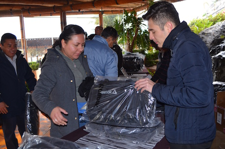 grupo Bonafont junta gerencial entrega de paquetes